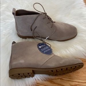 White Mountain Auburn Lace Up Booties